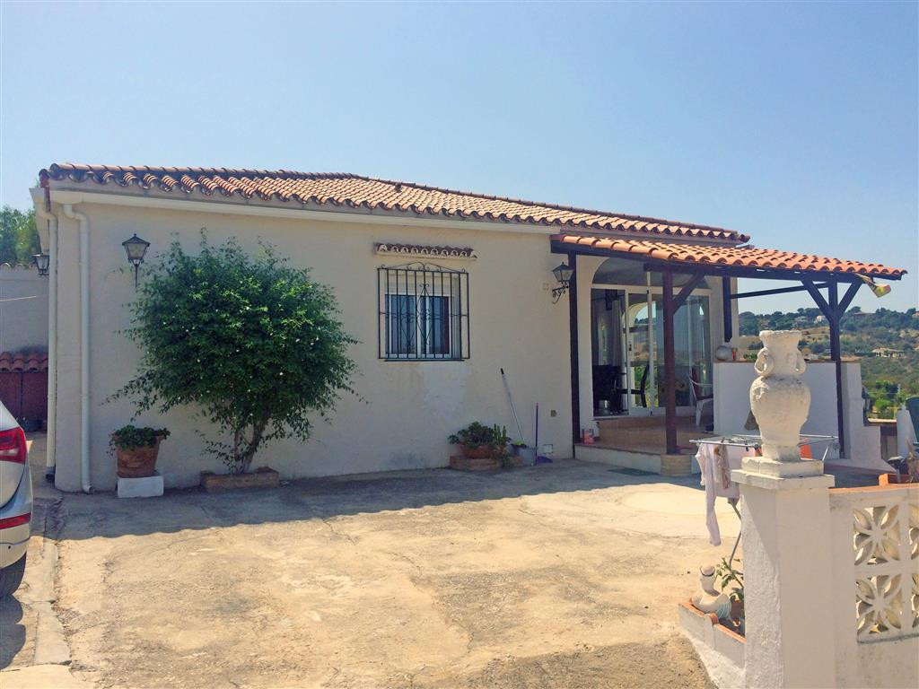 House in Alhaurín de la Torre R2134001 2