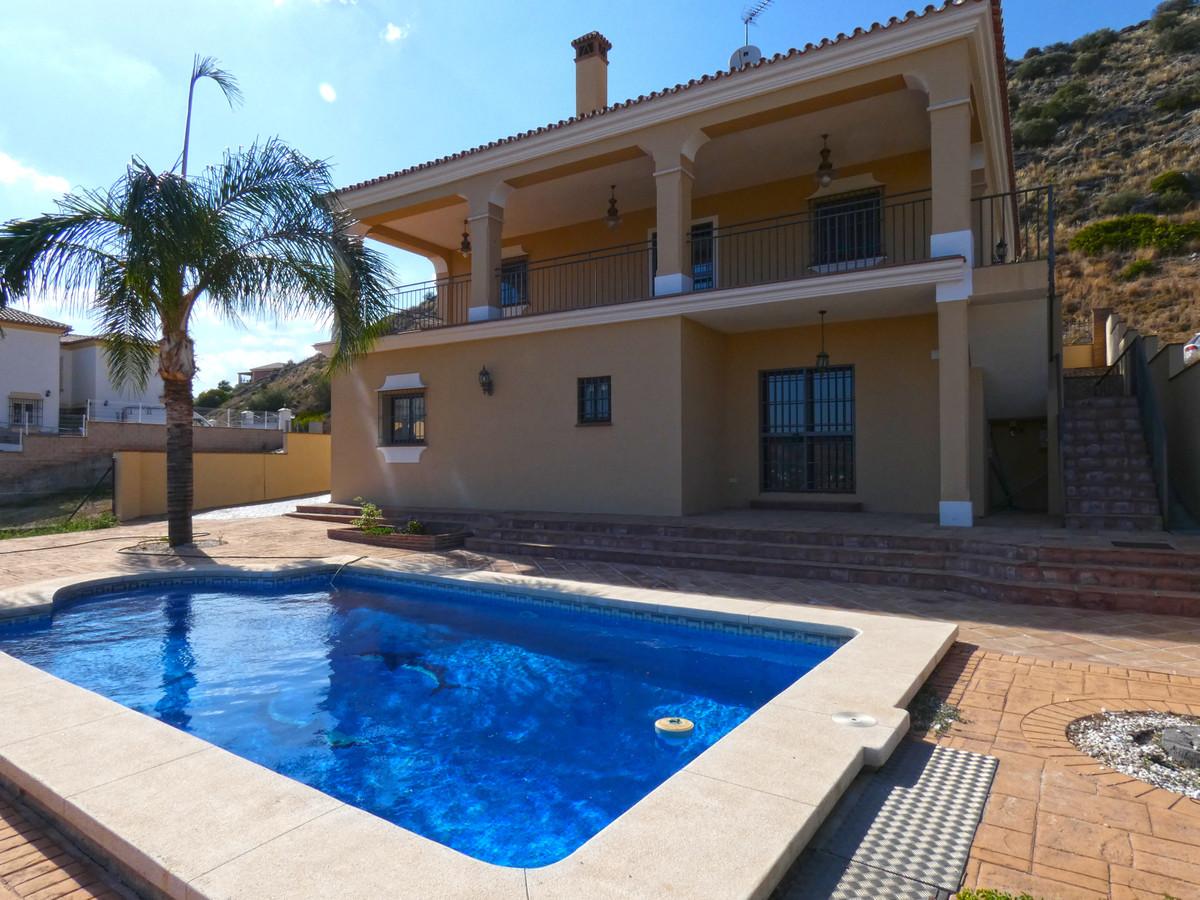 Detached Villa for sale in Coín R3457900