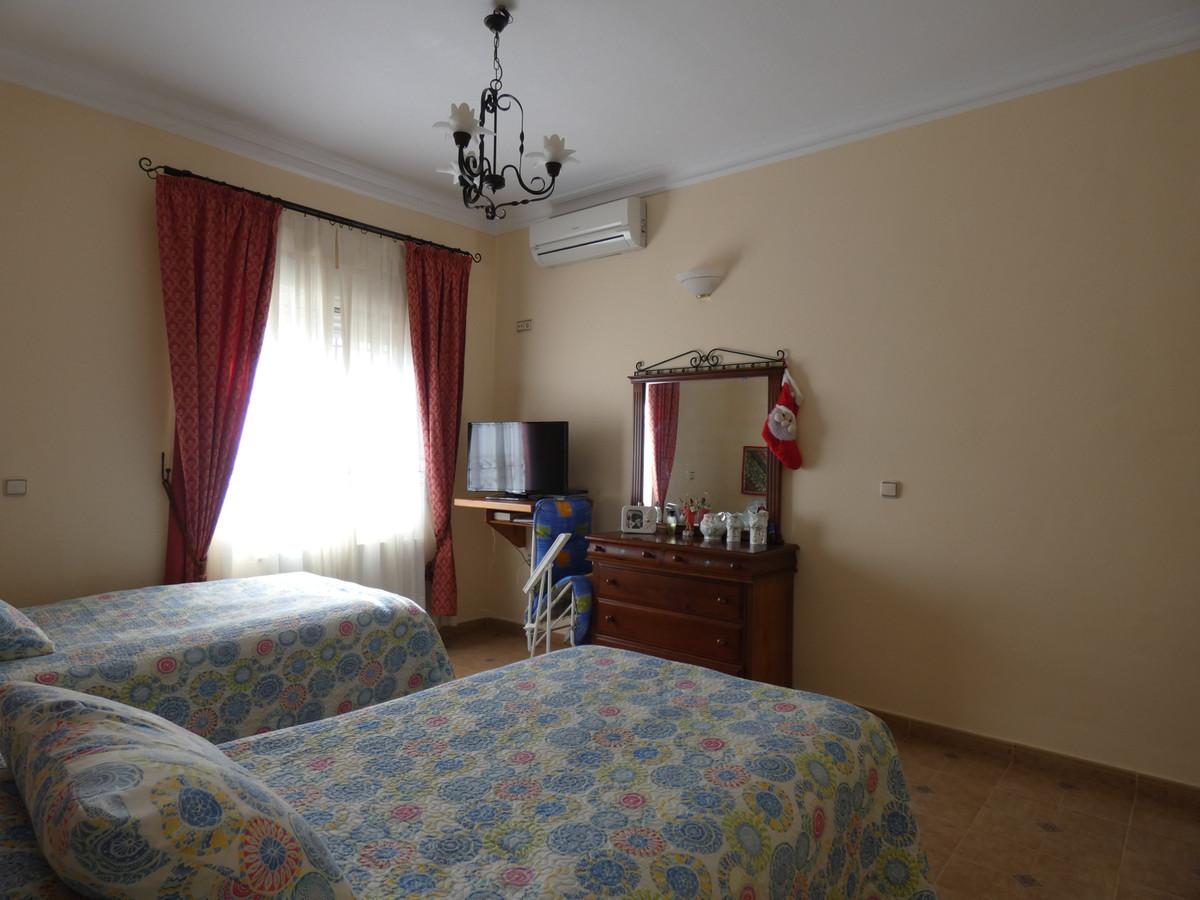 House in Alhaurín de la Torre R3366679 15