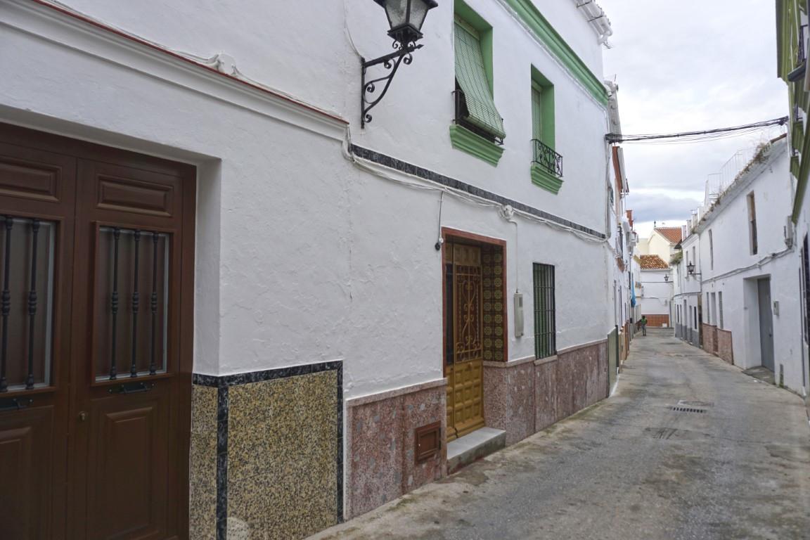 Unifamiliar Adosada 4 Dormitorio(s) en Venta Alhaurín el Grande