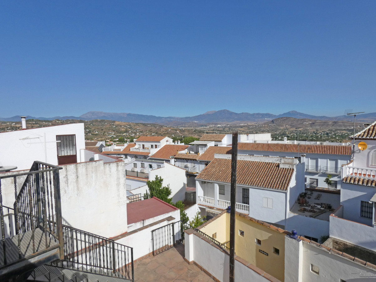 Townhouse in Alhaurín el Grande R3481381