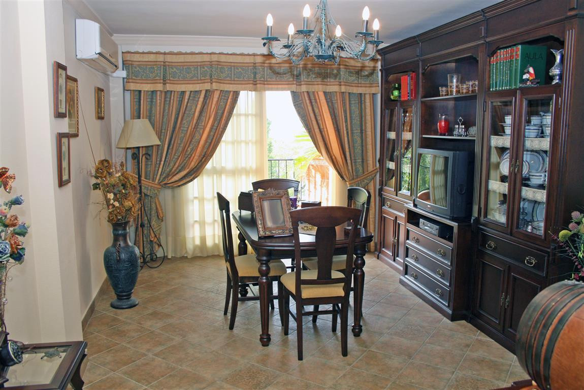 Apartment Middle Floor in Alhaurín el Grande, Costa del Sol