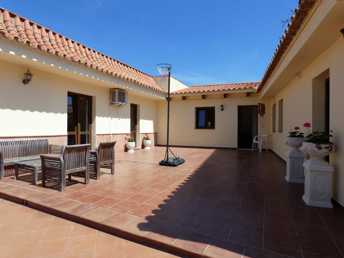 House in Alhaurín de la Torre R3416902 30