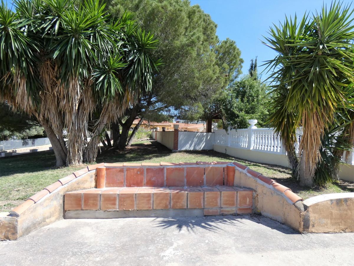 House in Alhaurín de la Torre R3416902 40