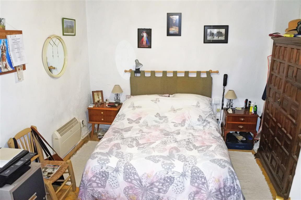 House en Guaro R65916 10