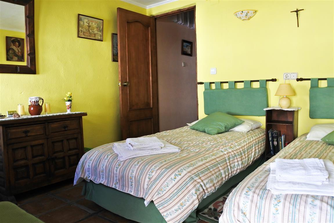 House en Guaro R65916 11