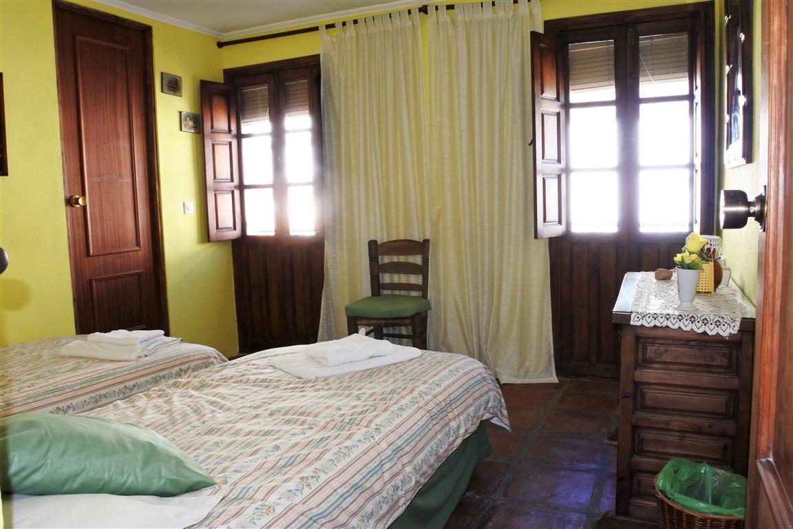 House en Guaro R65916 12