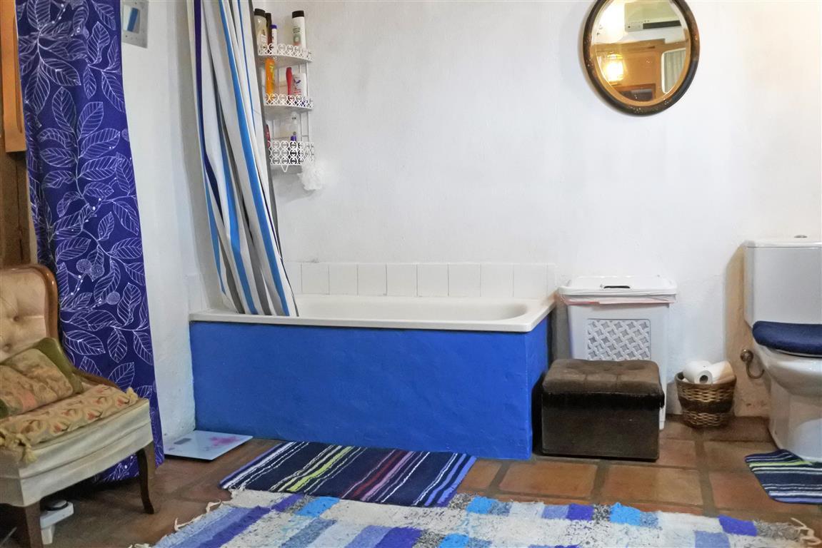 House in Guaro R65916 15