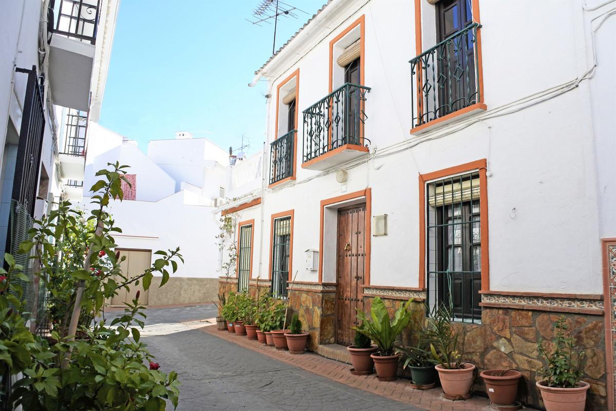 House in Guaro R65916 23