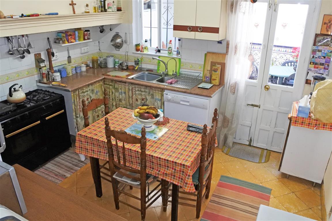 House en Guaro R65916 6