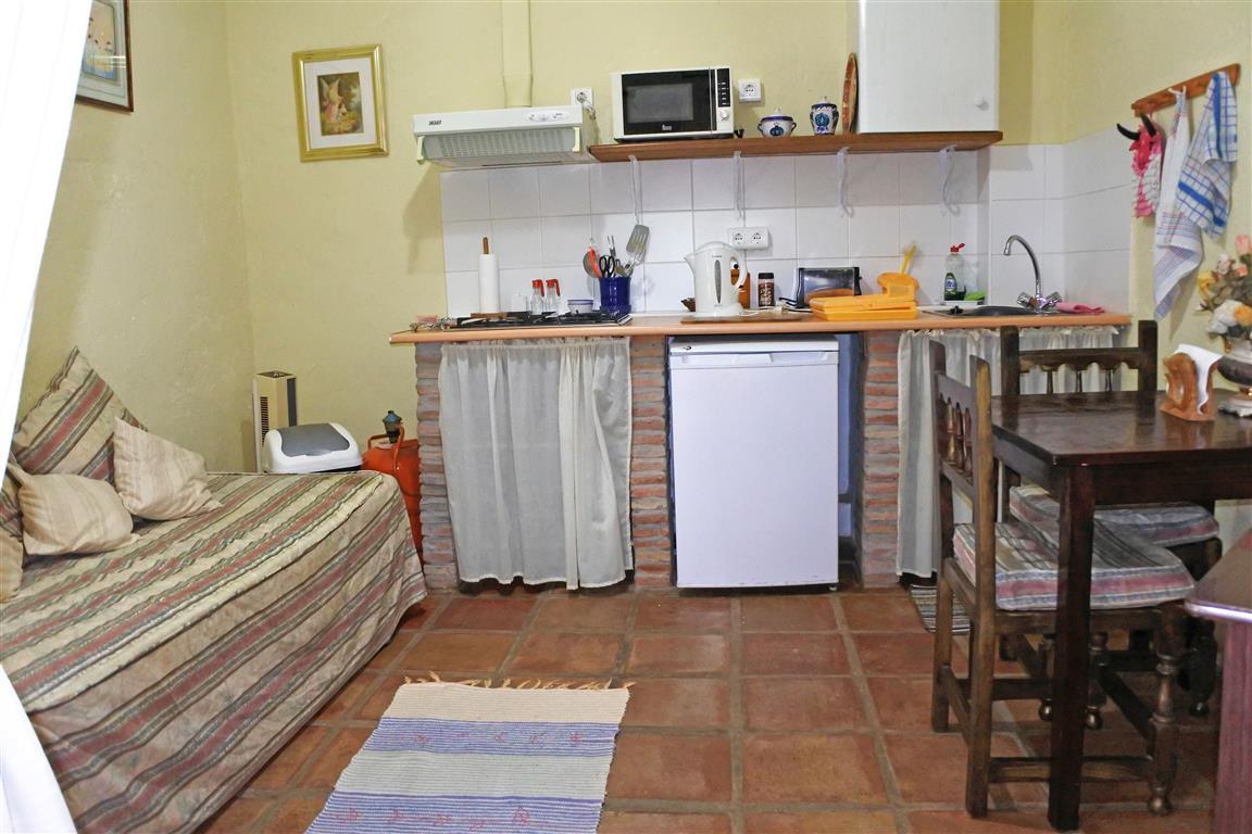 House en Guaro R65916 8