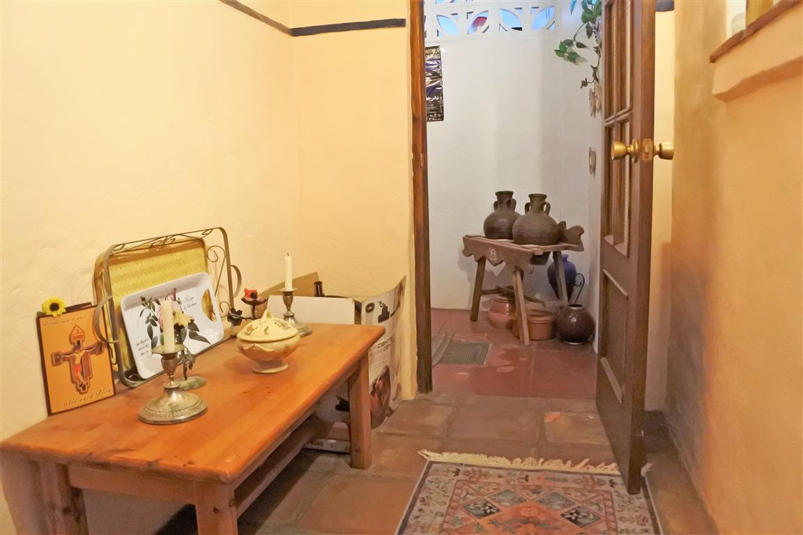 House en Guaro R65916 9