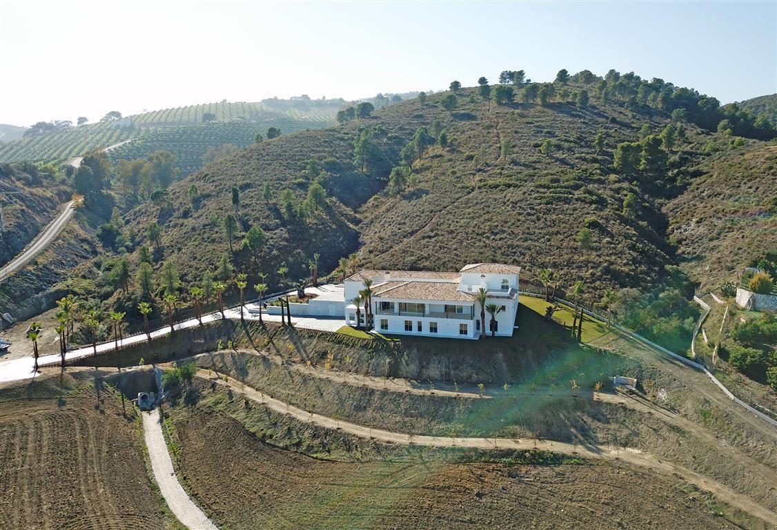 Villa 8 Dormitorios en Venta Coín