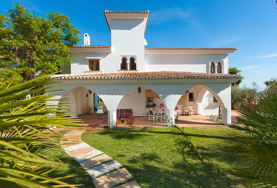 Detached Villa in Alhaurín el Grande R806114
