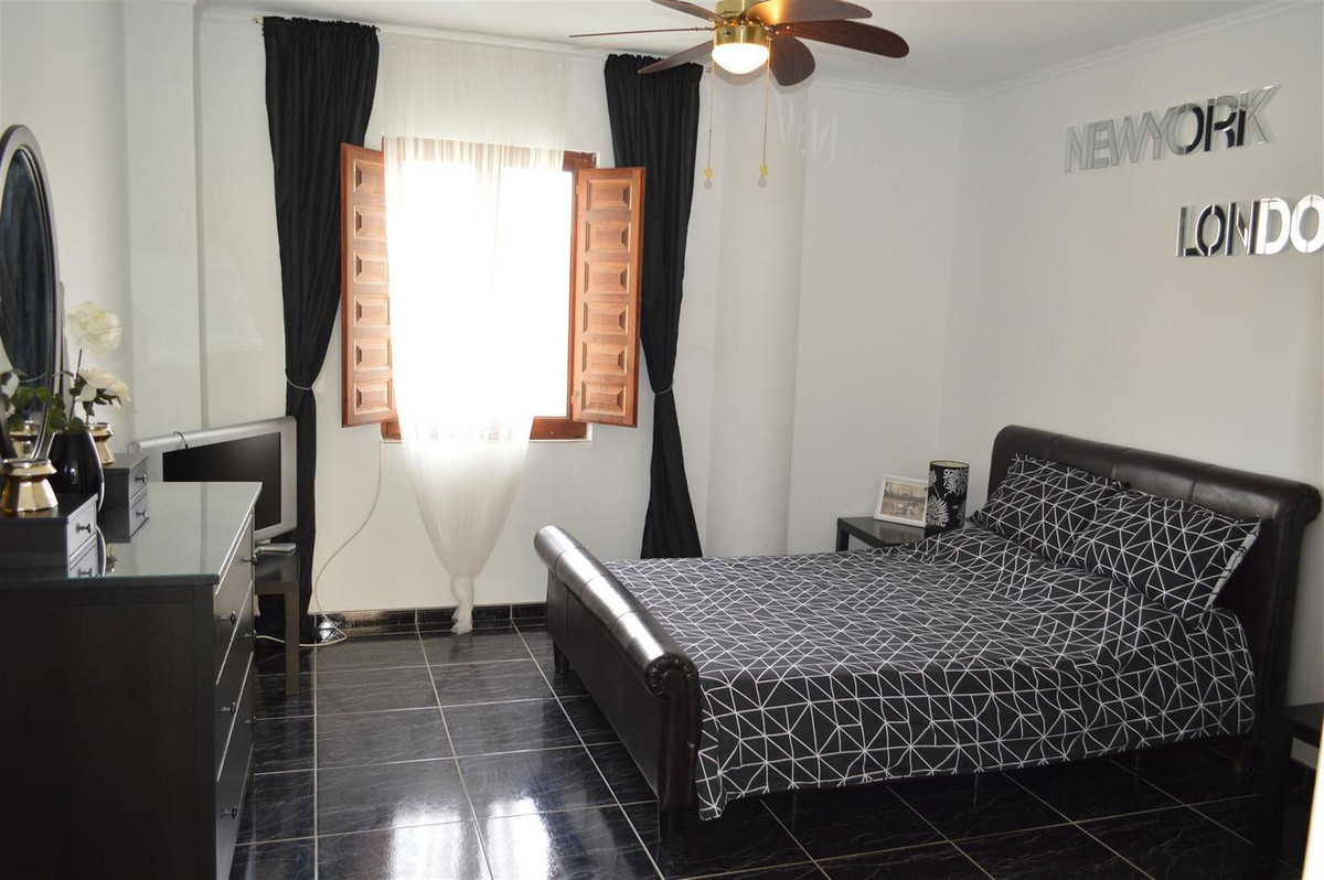 House in Alora R187841 20