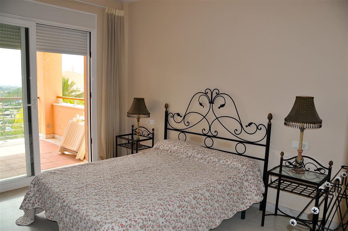 Lejlighed in Alhaurín de la Torre R3332860 4