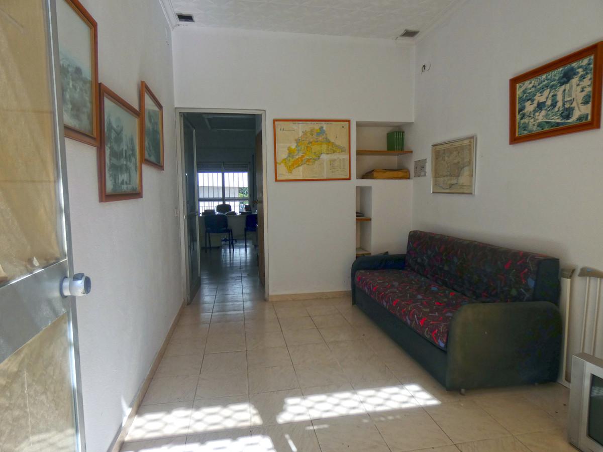 Comercial Oficina 0 Dormitorio(s) en Venta Alhaurín el Grande