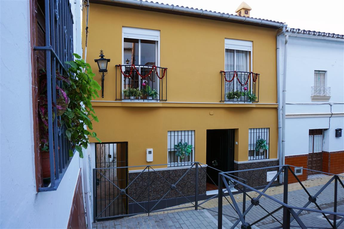 Townhouse in Alhaurín el Grande R3159811
