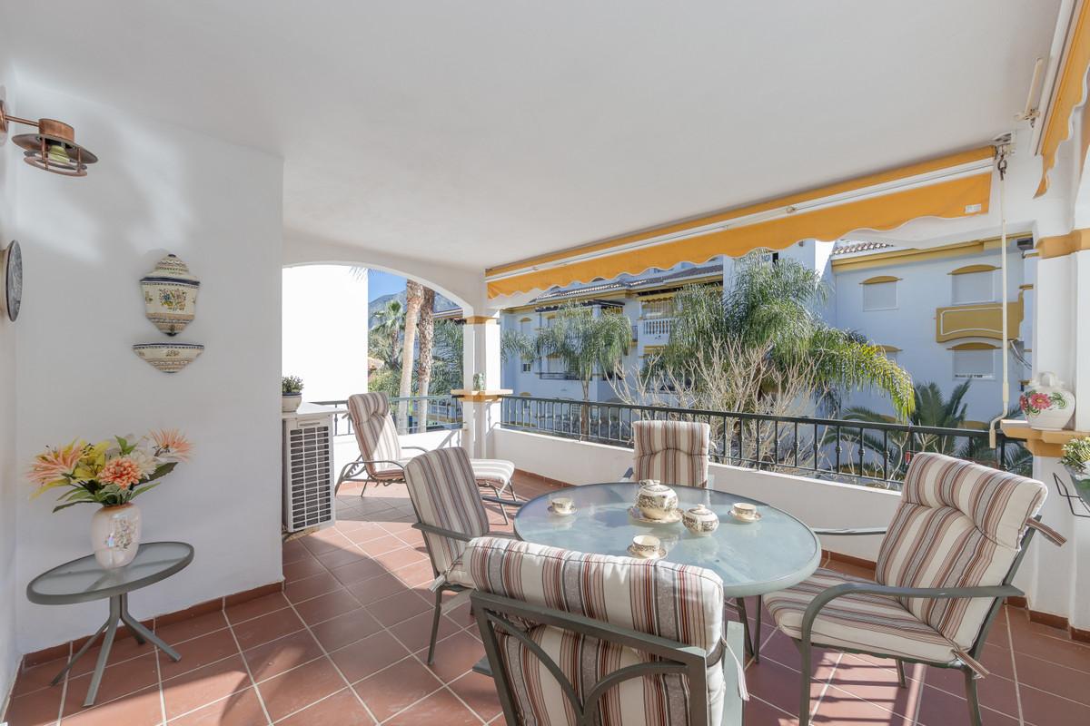 Apartment located in a residential development near Puerto Banus, in Dama de Noche. It comprises two,Spain