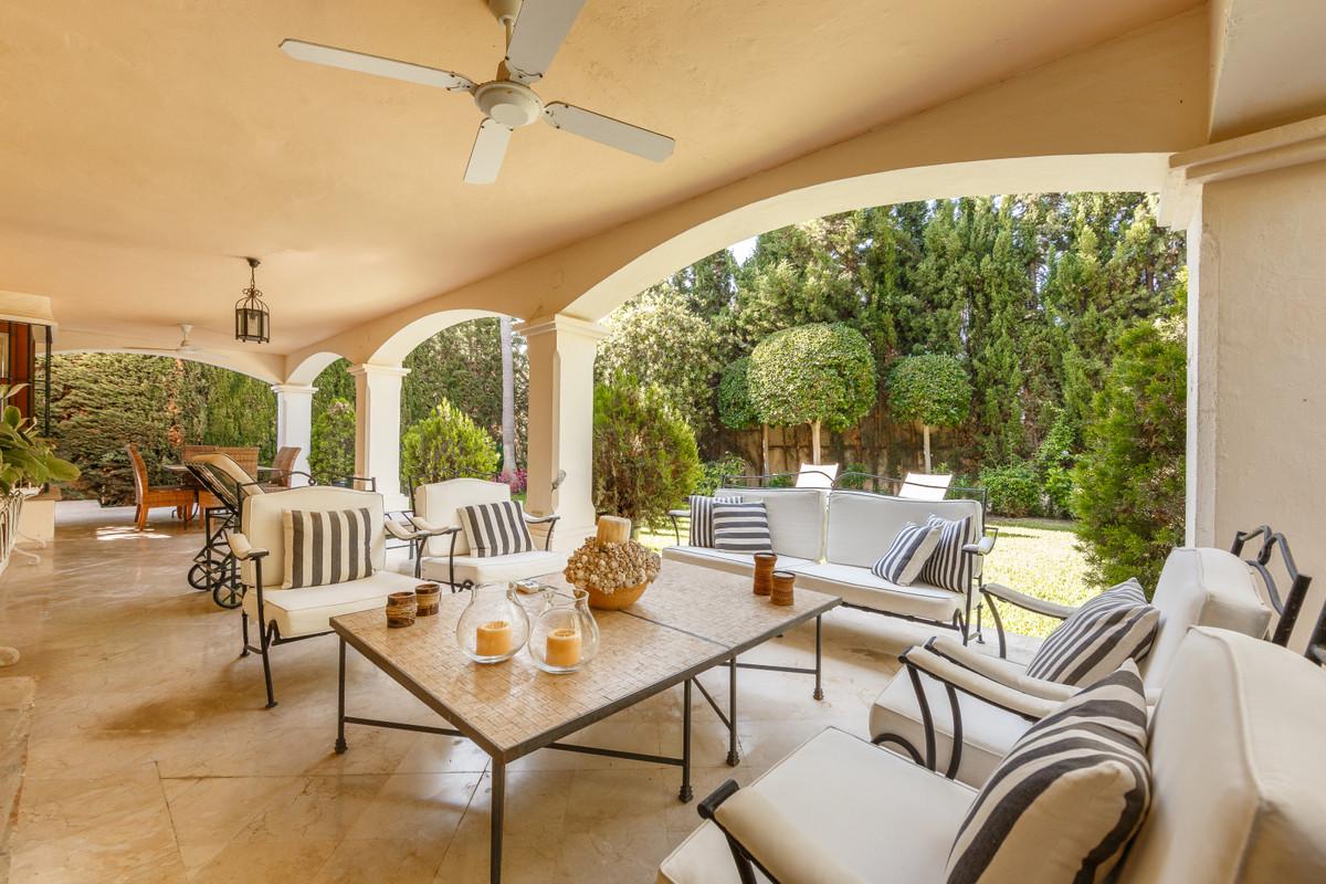 Detached Villa in Guadalmina Alta R3370828