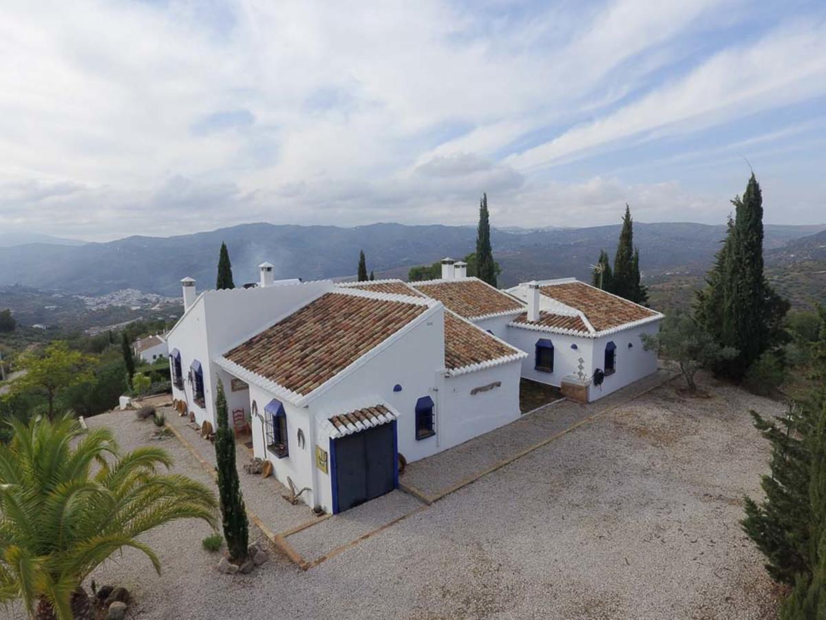 Excellent farmhouse in the heart of the Axarquia Malaga  Finca in Alto de Magiaza. Enjoy a natural e,Spain