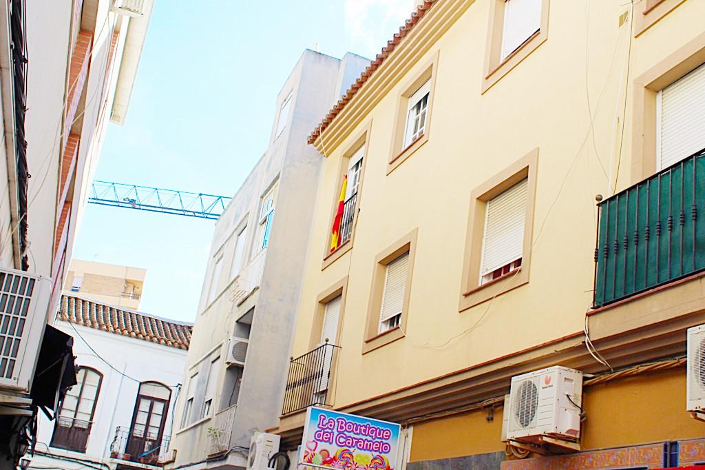 Middle Floor Apartment, La Linea, Costa del Sol. 2 Bedrooms, 1 Bathroom, Built 85 m².  Setting : Tow,Spain