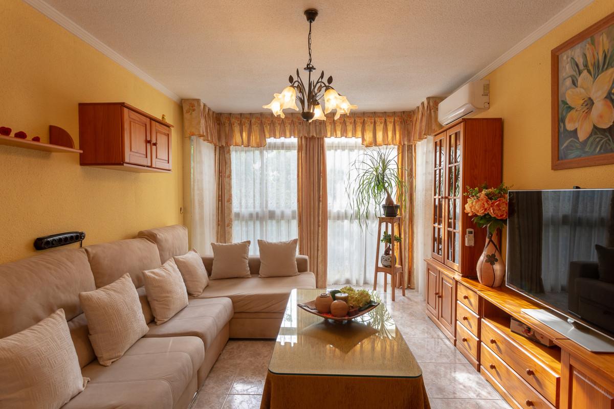 Apartamento, Planta Baja  en venta    en Málaga