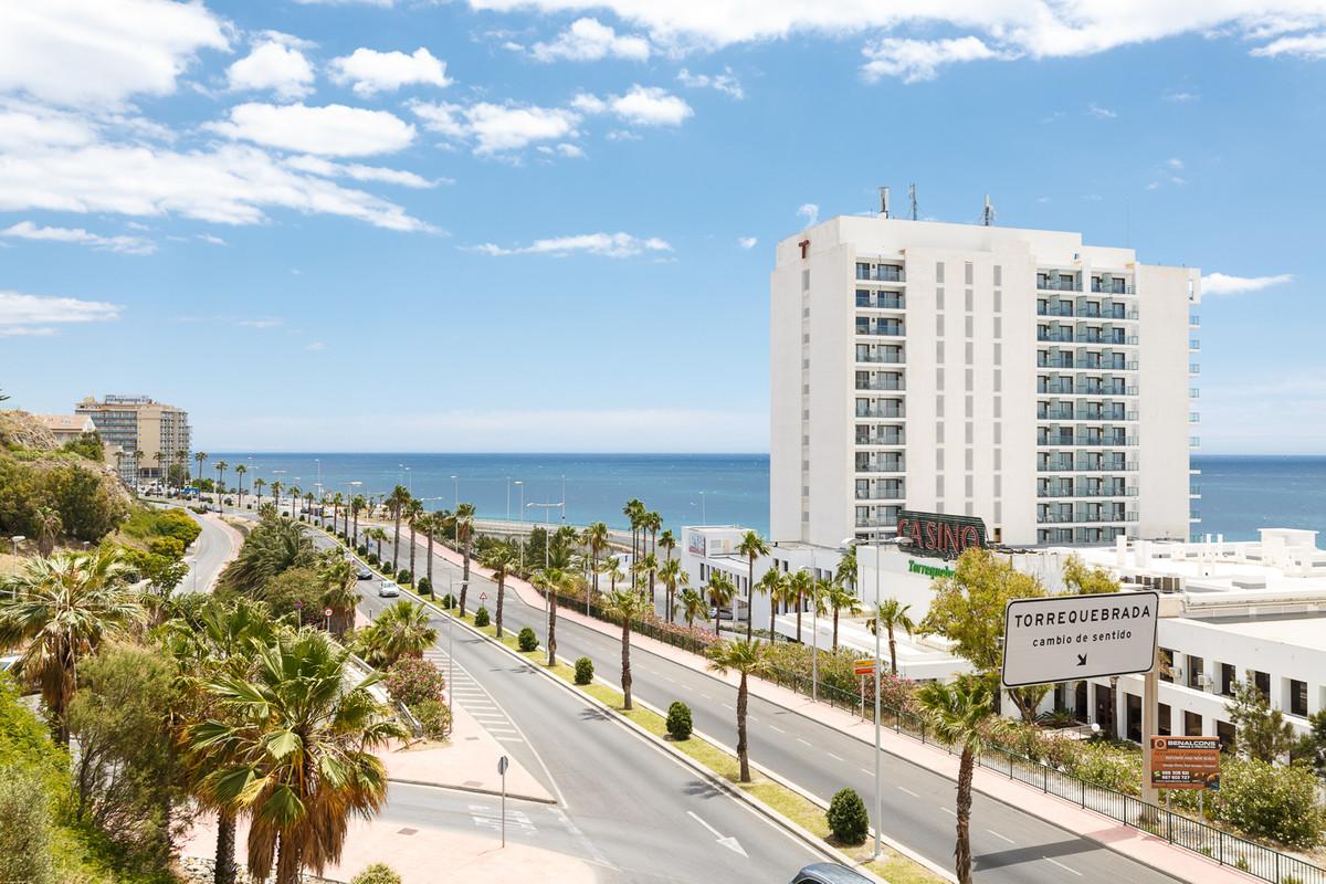 Lägenhet på mellanplan i Benalmadena Costa R3205141