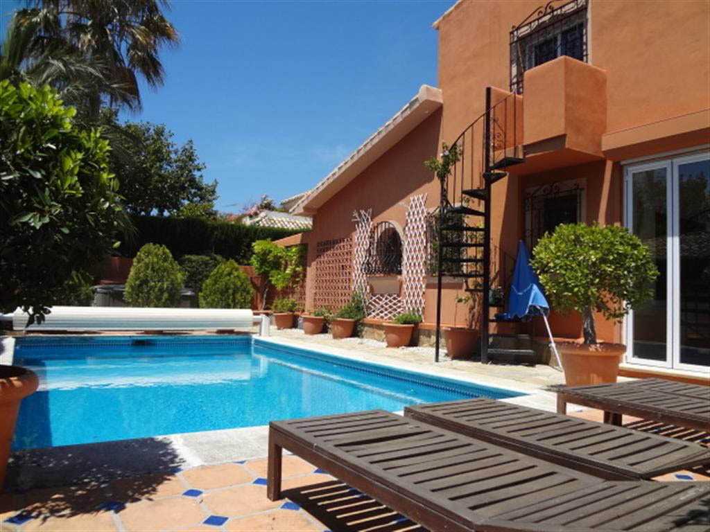 Detached Villa for sale in Río Real R2688260