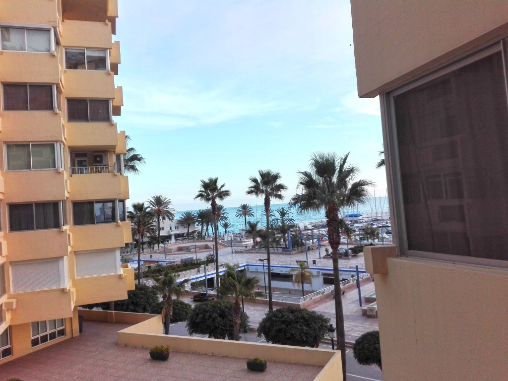Magnificient studio in first line of the beach,in fron of the Sports  Port. A furnished  and a full ,Spain