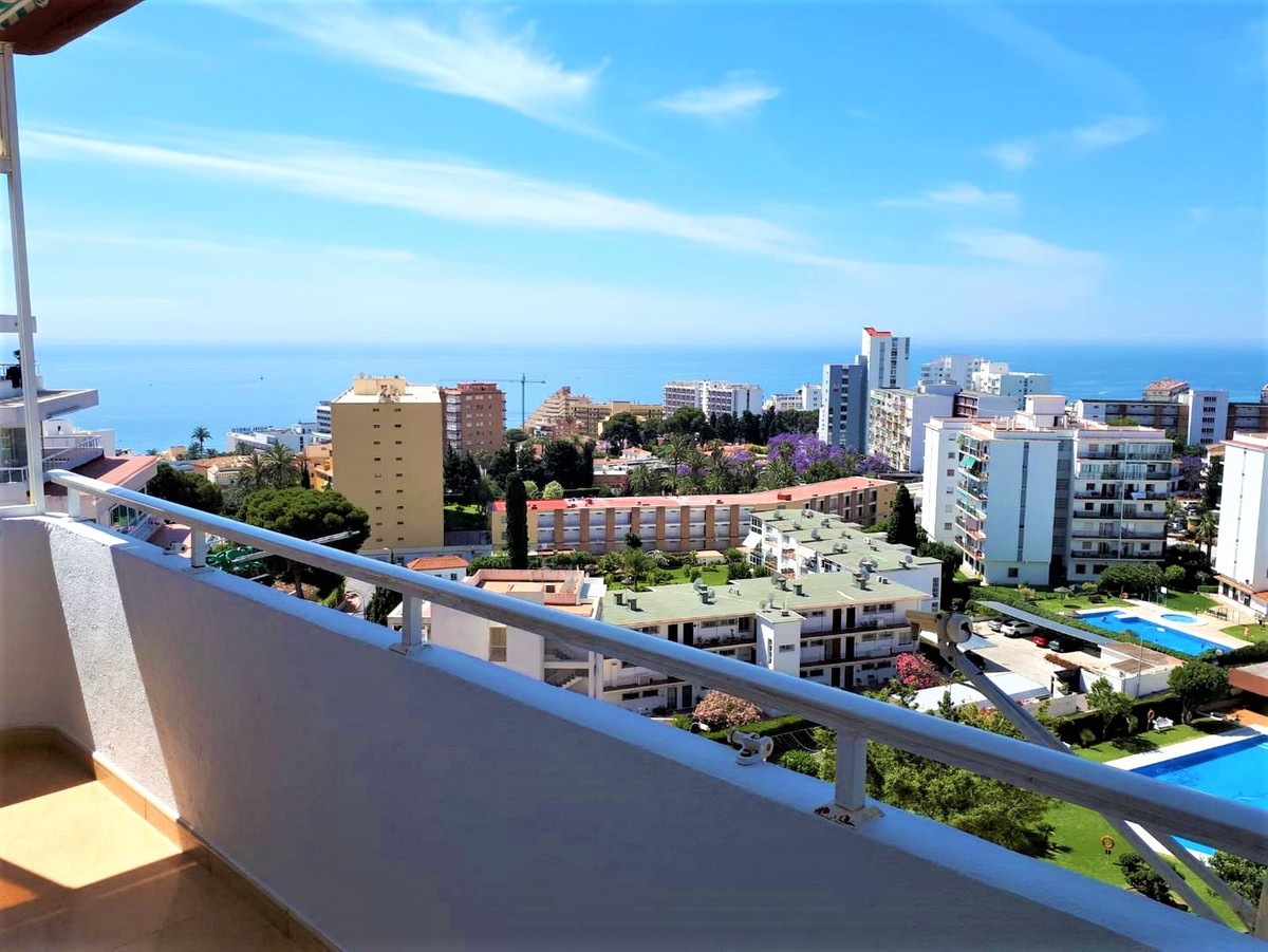 CORNER SEA VIEWS !!! Beautiful corner apartment in Benalmadena Costa. Fully renovated electricity an,Spain