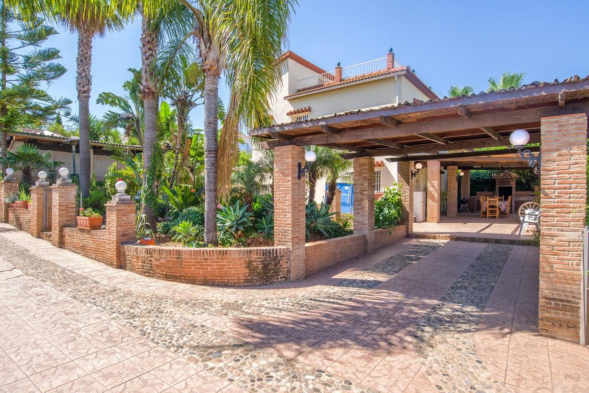 Villa  Finca en venta   en Alhaurín de la Torre