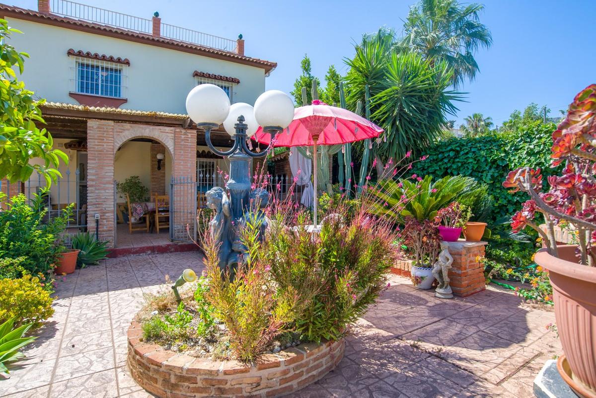 House in Alhaurín de la Torre R3188848 3