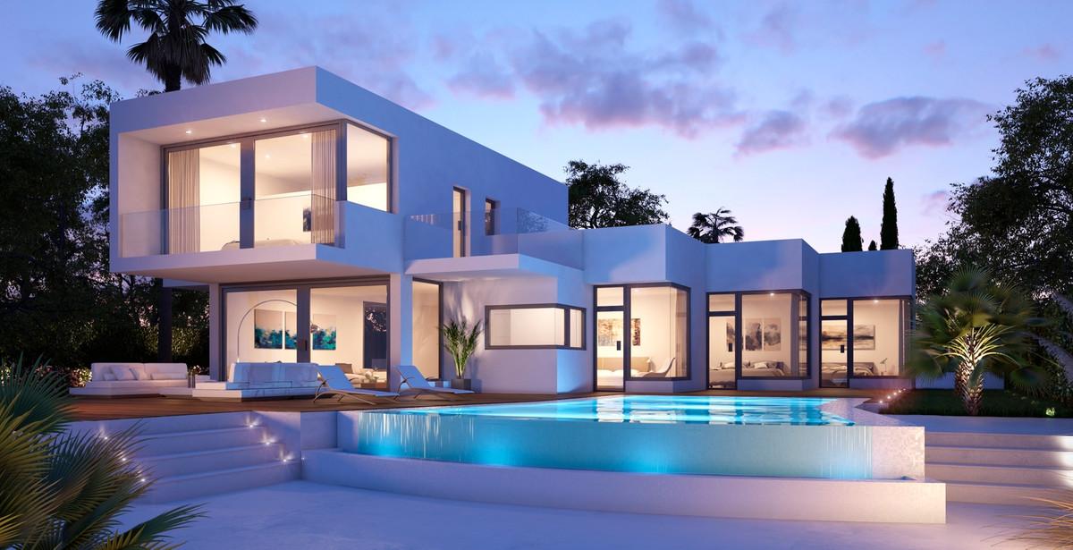 Fritliggende Villa i Estepona R3236257
