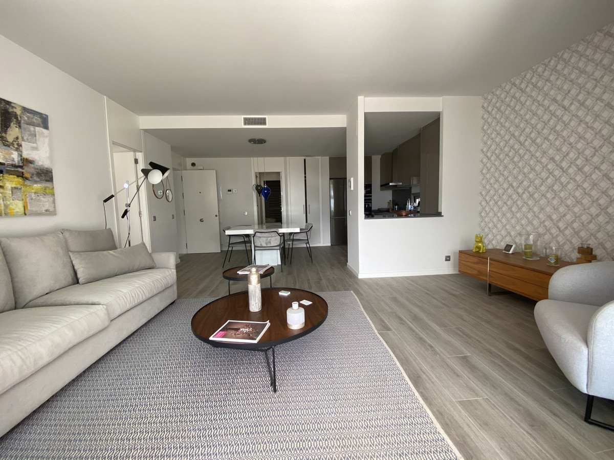 Apartamento con 3 Dormitorios en Venta Cancelada