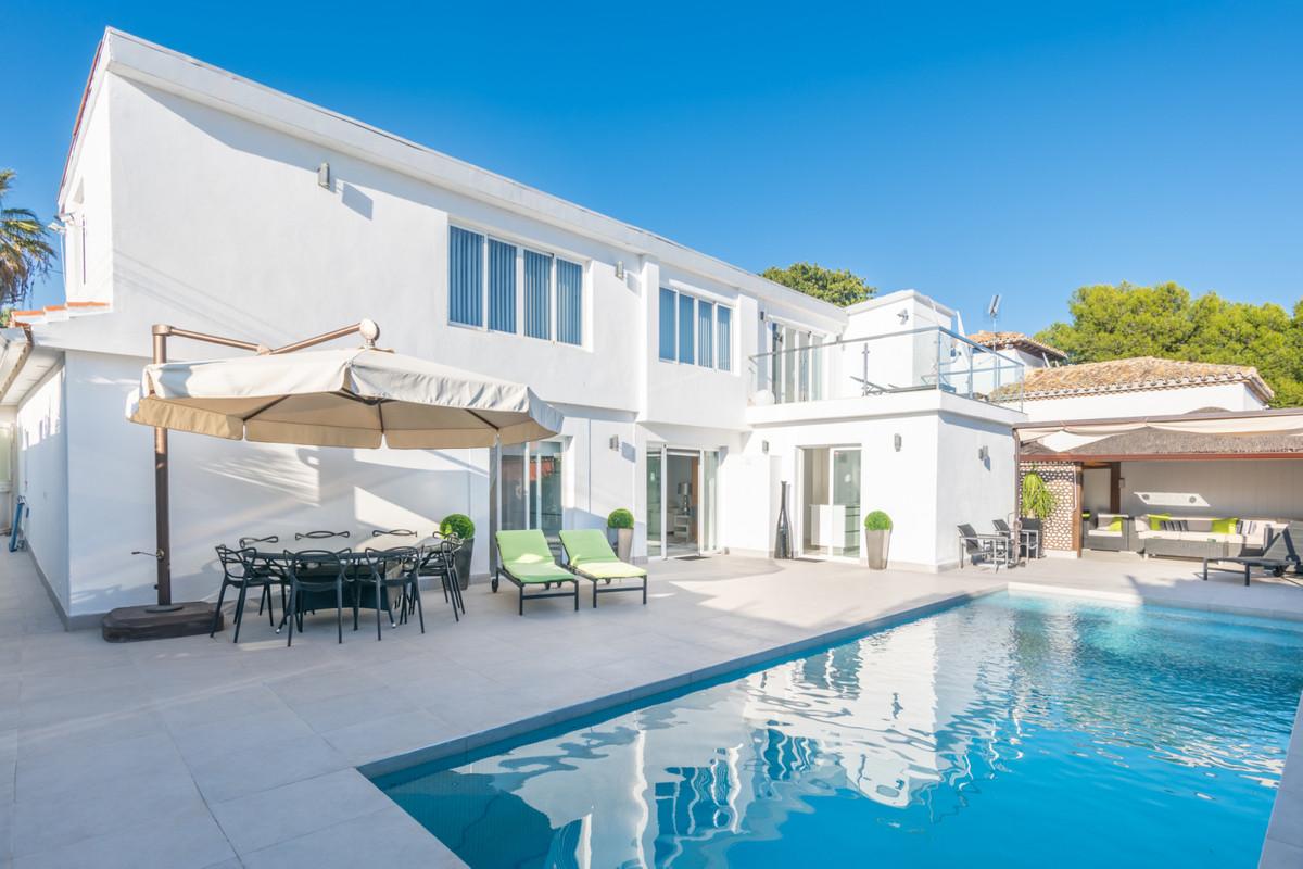 Villa zu verkaufen in Nueva Andalucía R3745777