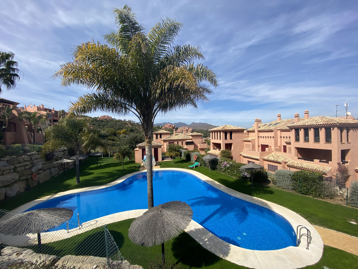 Beautiful and very comfortable apartment featuring a family bedroom (sleeps 4) and another double be,Spain
