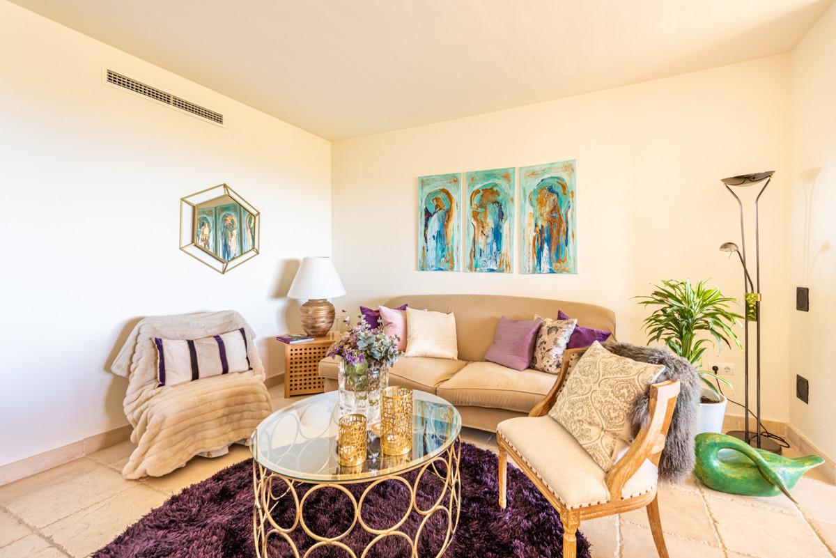 Apartment Middle Floor in Los Flamingos, Costa del Sol