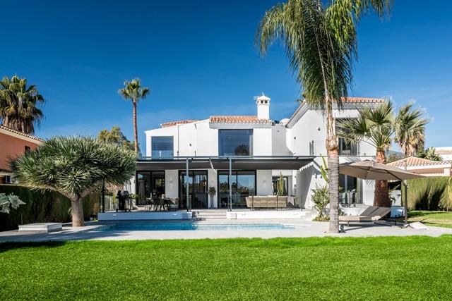 Nueva Andalucia. Front Line Golf ! Truly outstanding 4 bedroom villa near Los Naranjos golf course wSpain
