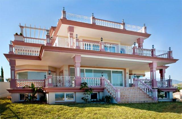 Villa · Los Flamingos