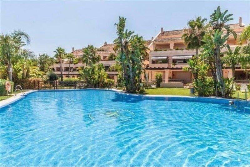 R3024554: Apartment in Nueva Andalucía
