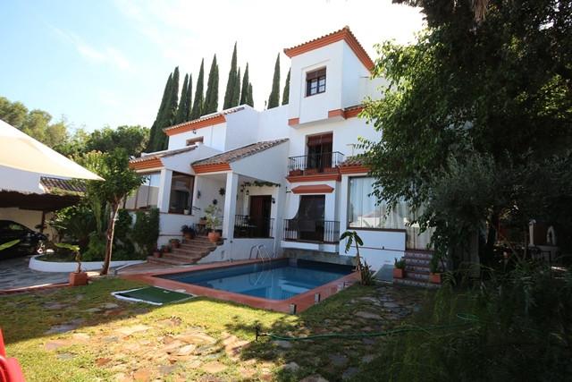 Villa 4 Dormitorios en Venta Atalaya