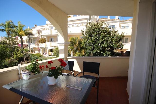 A very attractive two bedroom corner apartment in the popular urbanization of La Fuente del Paraiso ,Spain