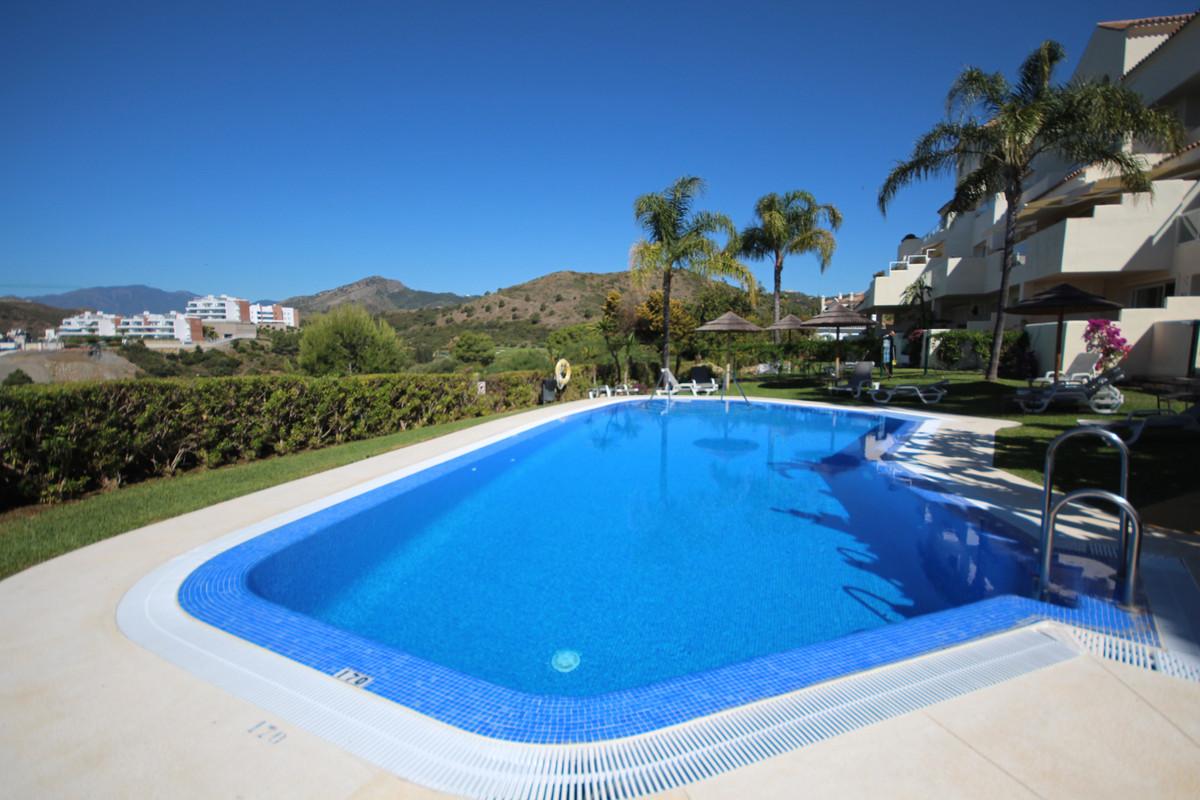 Middle Floor Apartment, Benahavis, Costa del Sol. 2 Bedrooms, 2 Bathrooms, Built 80 m², Terrace 25 m,Spain