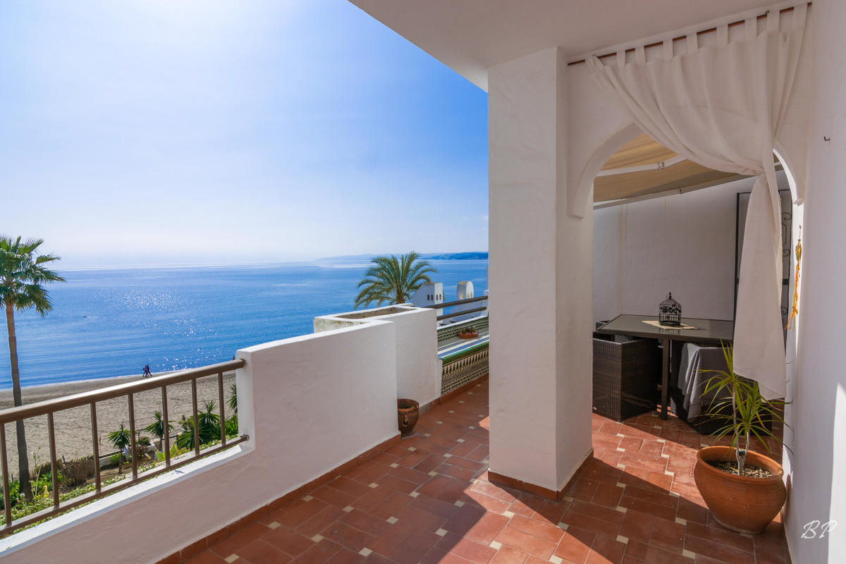 This complex is located right on the beach just by Estepona Port and the lovely beach of Playa Crist,Spain
