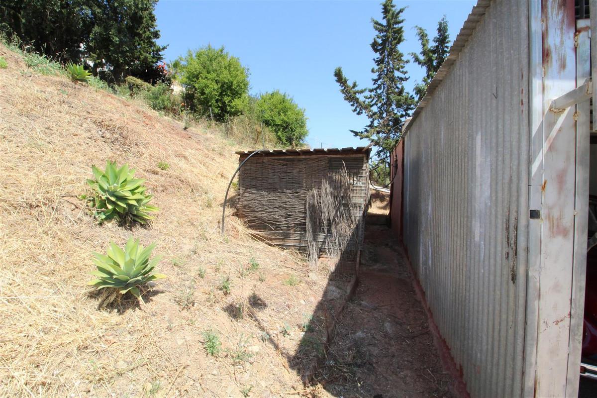 Residential Plot in El Padron