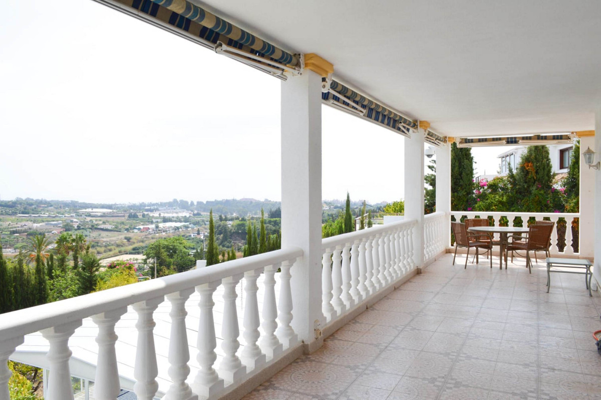 9 bedroom villa for sale estepona