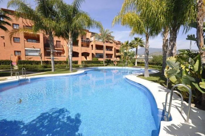 Middle Floor Apartment, Benahavis, Costa del Sol. 2 Bedrooms, 2 Bathrooms, Built 125 m², Terrace 23 ,Spain