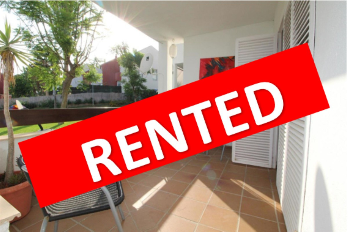 Two bedroom apartment for sale in Estepona Este.  Apartment 15 minutes drive from Puerto Banus and E,Spain