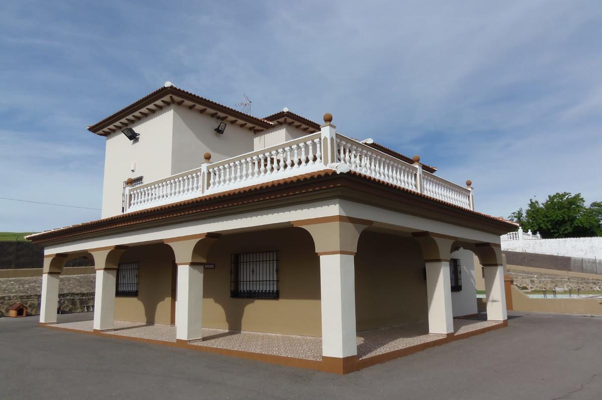 1st floor LIVING ROOM: 5.60 x 4.30 m² -------------------------- 24.80 m² KITCHEN: 4.30 x 3.30 m² --,Spain